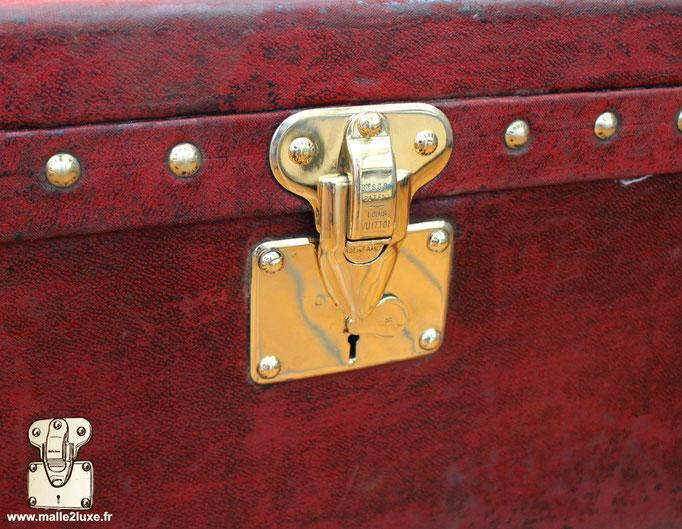 Lock crazy patina Louis Vuitton vintage