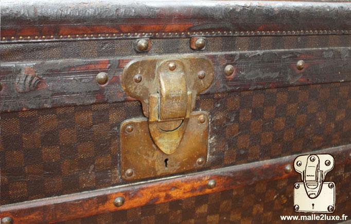 Louis Vuitton mail trunk lock