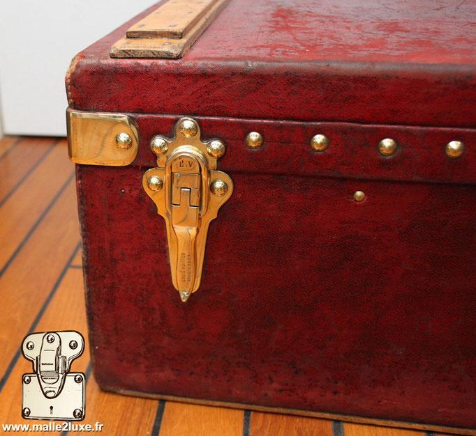 Trunk brass detail Louis Vuitton red