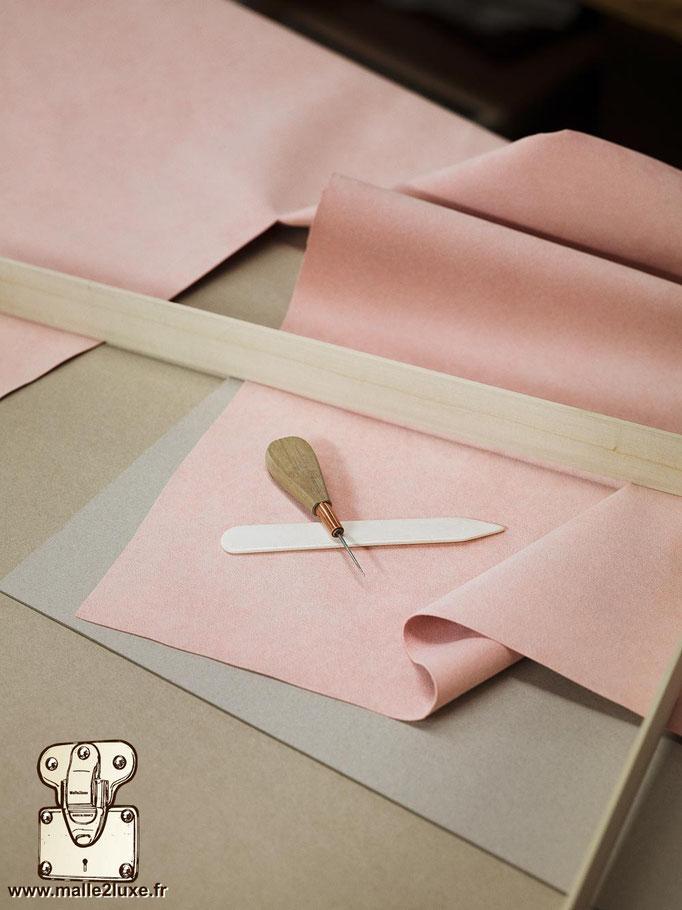 atelier louis vuitton suédine rose