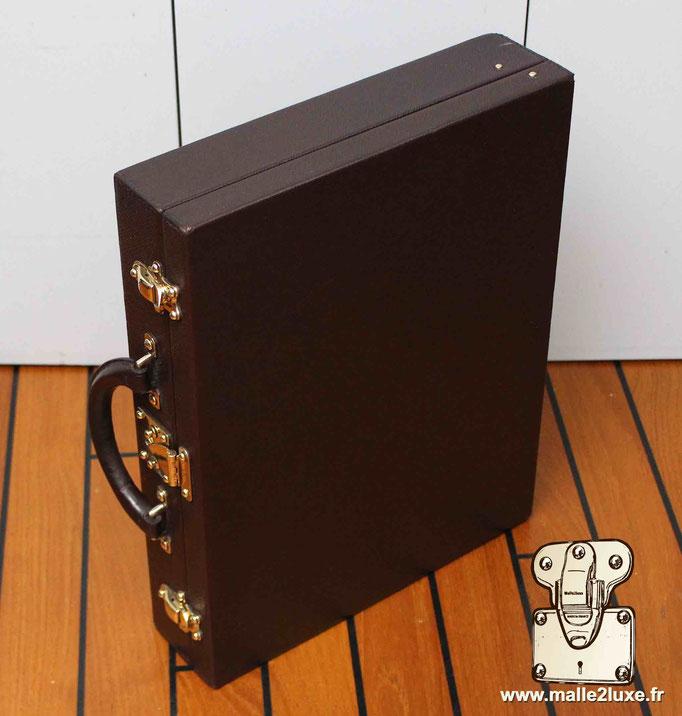Exterieur en cuir taïga Louis Vuitton