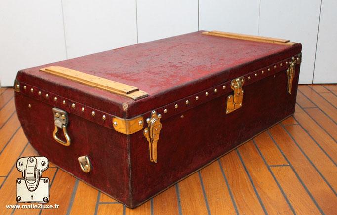 Trunk Louis Vuitton red