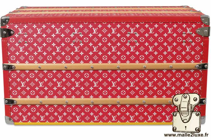 Malle supreme la plus cher Louis Vuitton rouge tres cher milliardaire