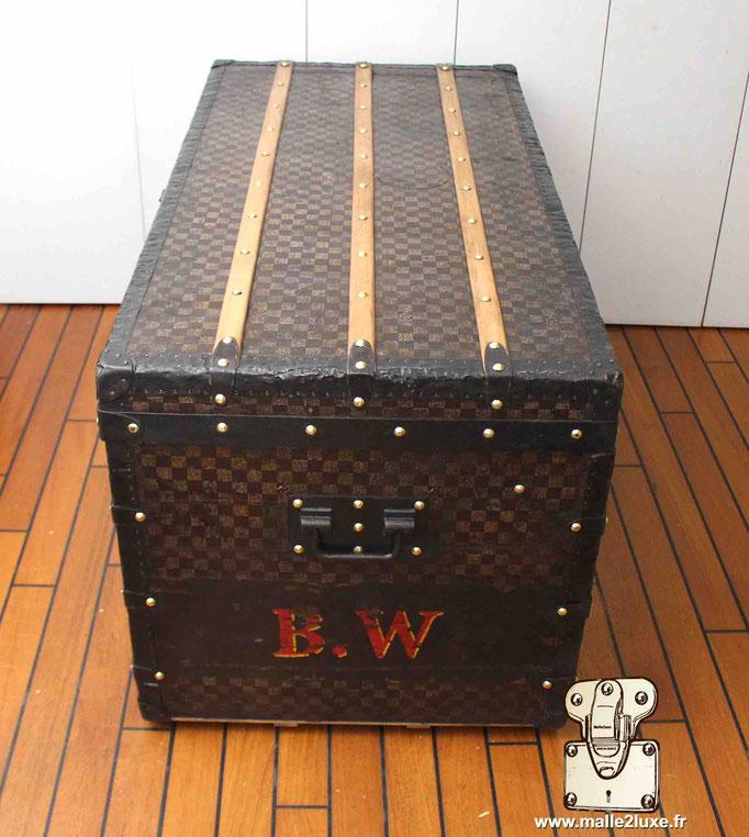 coté malle courrier Louis Vuitton prix