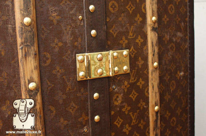 wardrobe Louis Vuitton price