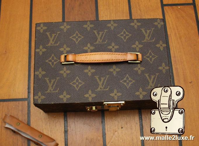 Boite a tout Louis Vuitton  poignée cuir