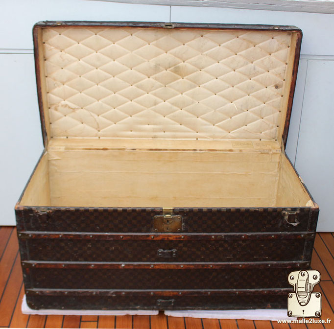 Louis Vuitton mail trunk old