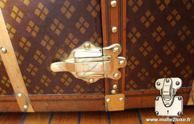Aux Etats Unis Paris Stunning solid brass art nouveau clasps