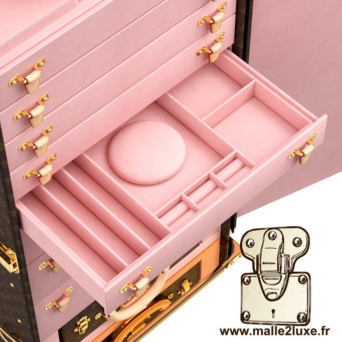 malle vendome bijoux Louis Vuitton intérieur rose
