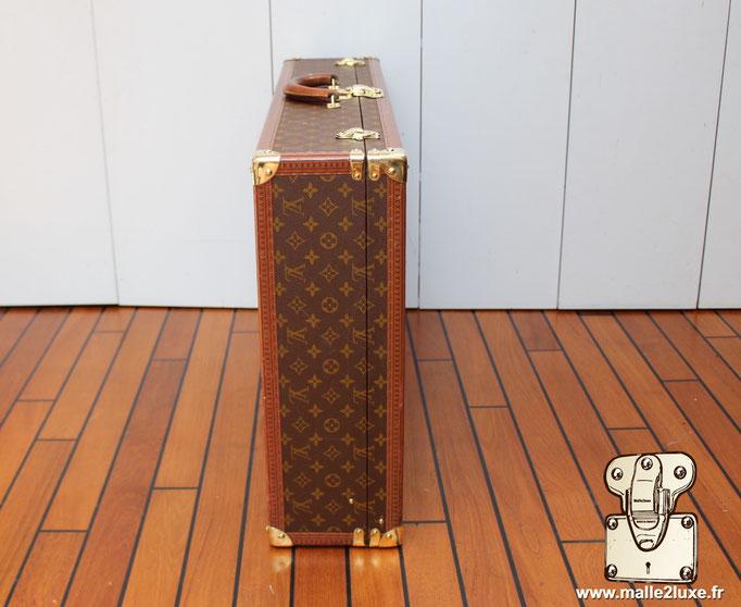 Valise vintage bisten Louis Vuitton 80 posé