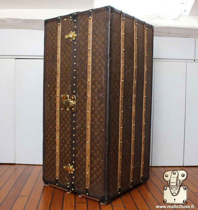 wardrobe Louis Vuitton collector's dream