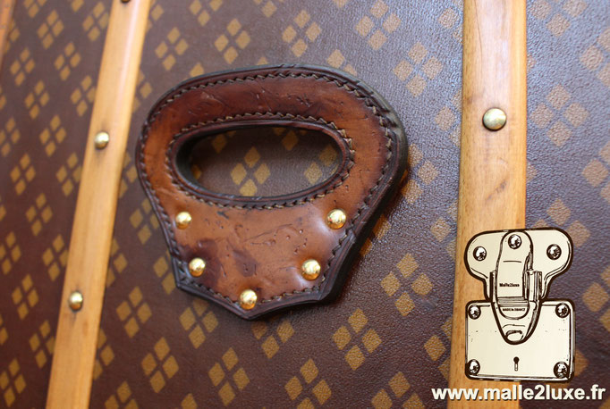 Aux Etats Unis Paris  poignée en cuir malle ancienne cassées