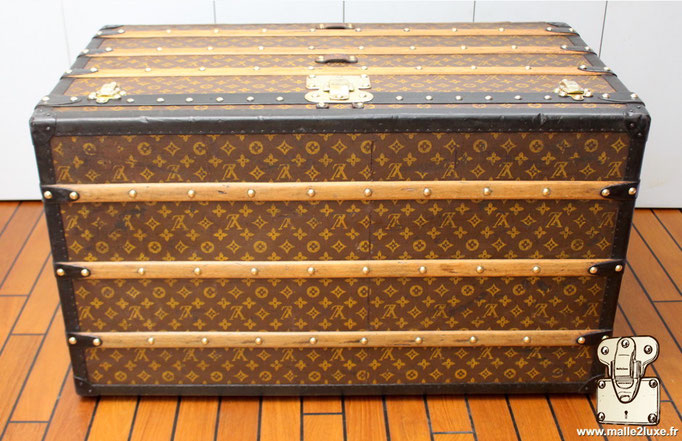 table basse malle vuitton