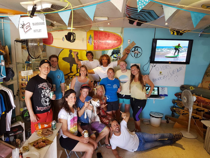 The whole team after a great week of surfing!