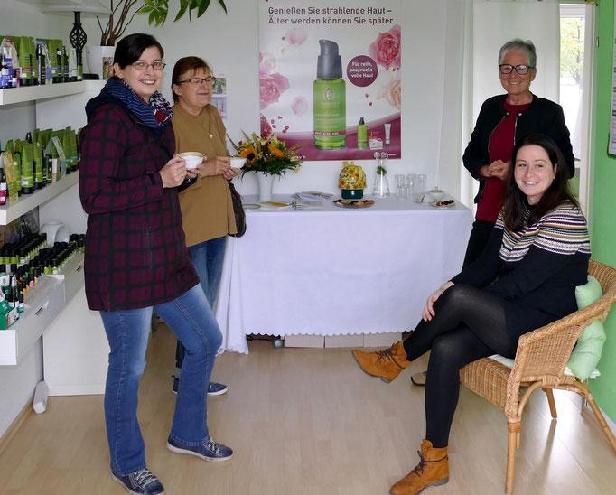 Bei Naturkosmetikerin Jana Hantke traf man sich zum elf Uhr Tee