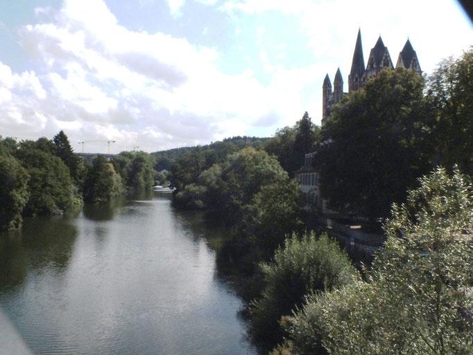 """von der """"Steinernen Brücke"""" auf Lahn und Dom"""