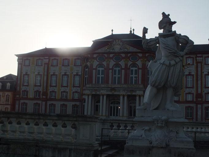 Schloss und Schlossgarteb
