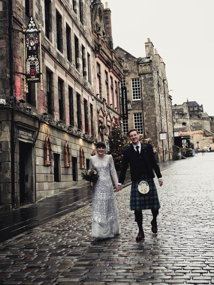 covid weddings edinburgh royal mile