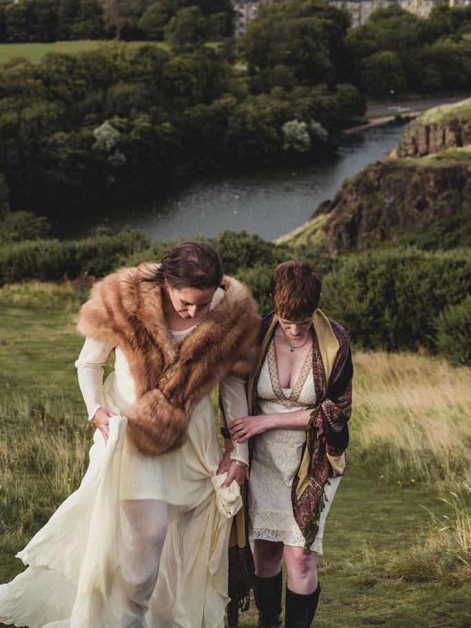 edinburgh wedding photographer holyrood