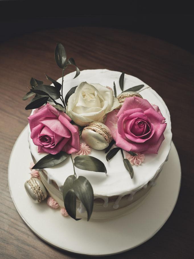 semi naked wedding cake edinburgh