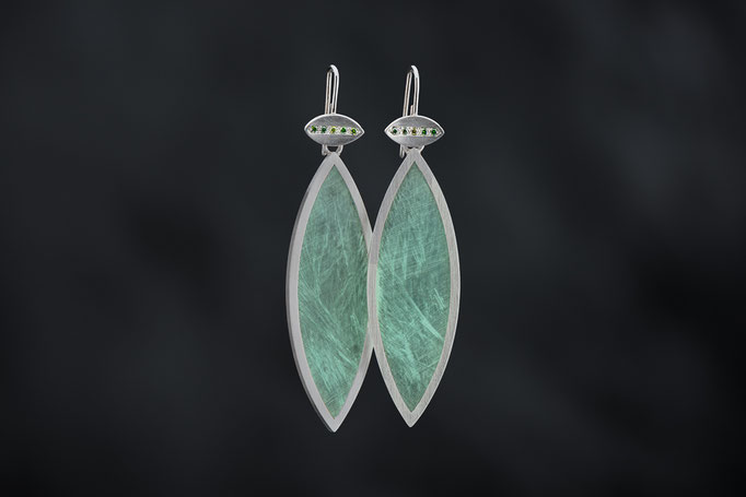 Artikelnummer 4286  - 925/- Silber, Plexi,  grüne Brillanten,  Plexi   abnehmbar