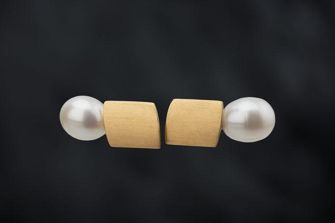 Artikelnummer 4303   -  750/- Gelbgold, Perlen,  abnehmbar