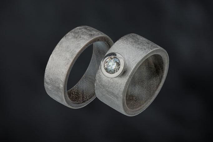 Produktnummer 8840 - 585/-Weißgold, Portia-Holz, Brillant