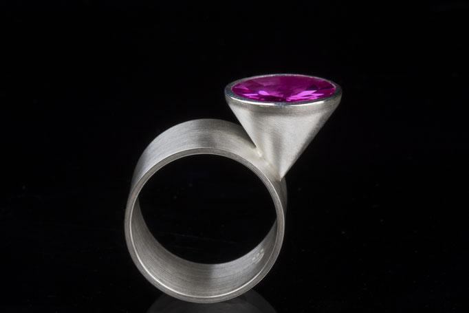 Produktnummer 1397 - 925/- Silber, synthetischer Korund