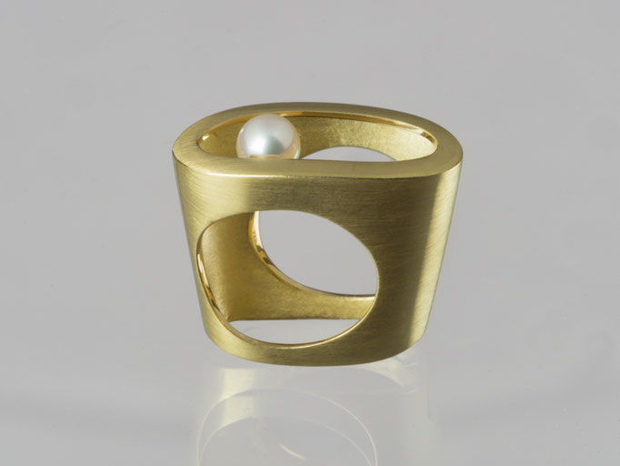 Produktnummer 4135 - 750/- Gelbgold, Akoyaperle