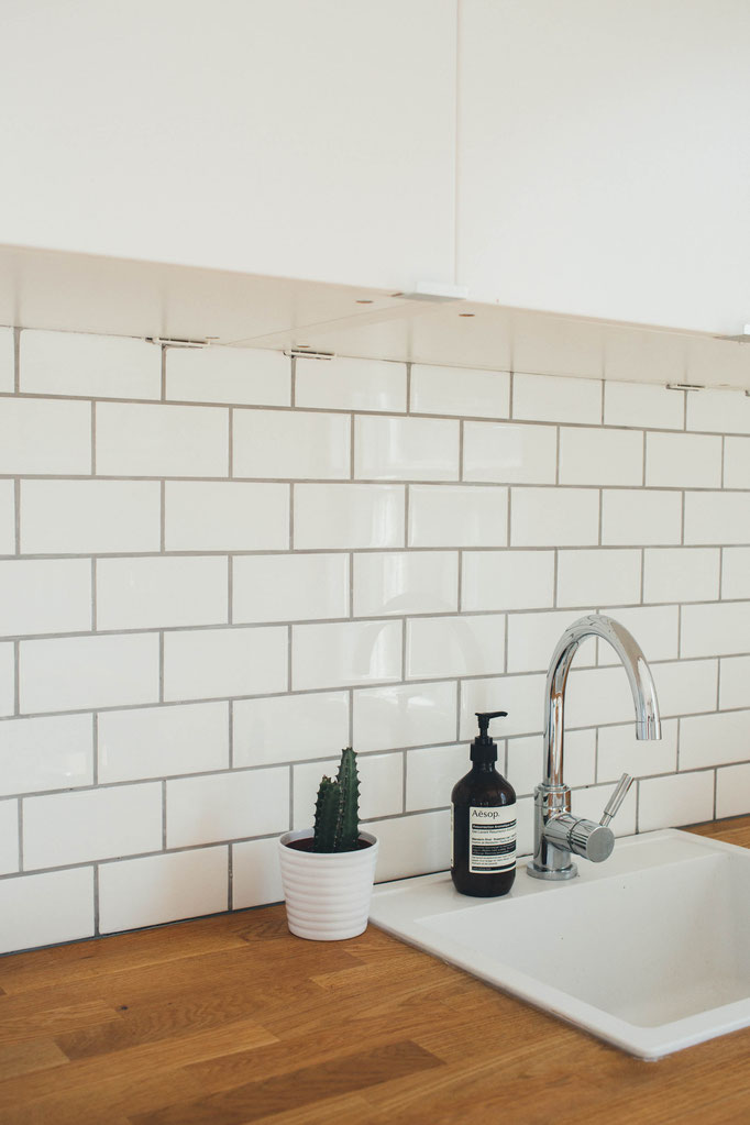 Küchenmontage - Küchen aufbauen und montieren, Arbeitsplatte zuschneiden und einbauen