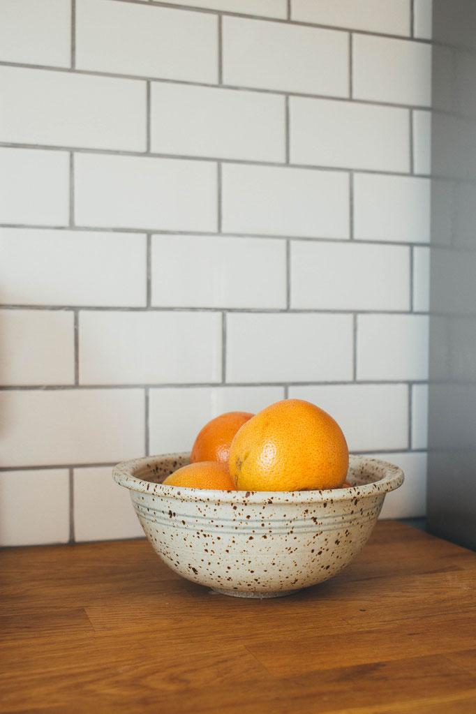 Fliesenspiegel an der Küchenwand anbringen - Fliesen unter den Hängeschränken