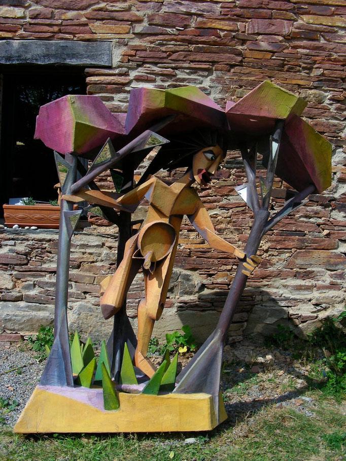 """Sophie Prévost, """"L'homme qui court dans les bois"""", 1998, carton, papier, miroir"""