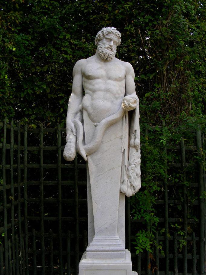 Hercule au serpent, XVIIe s., marbre
