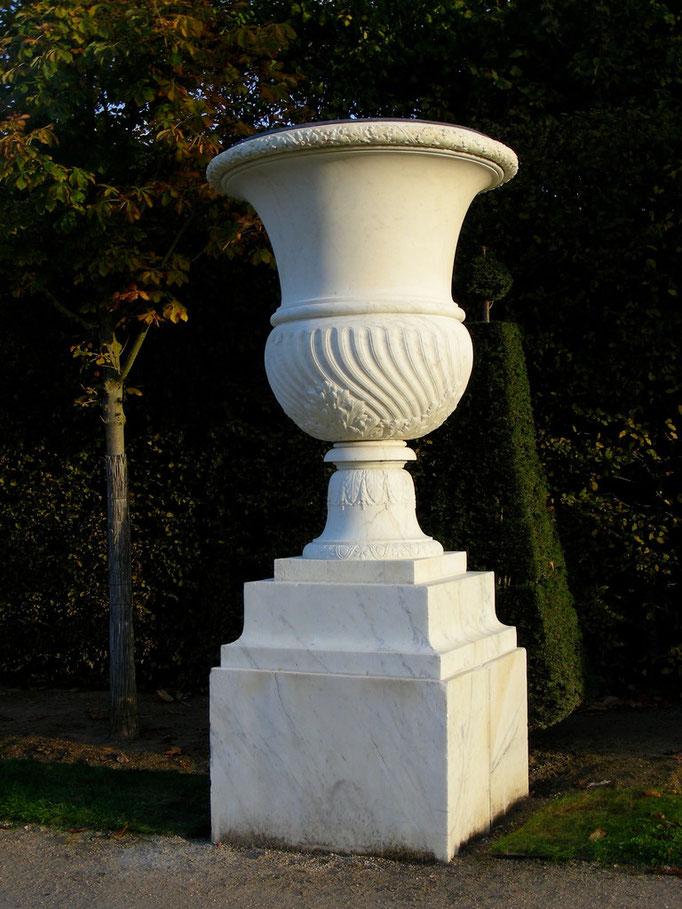 Vase, XVIIe s., marbre