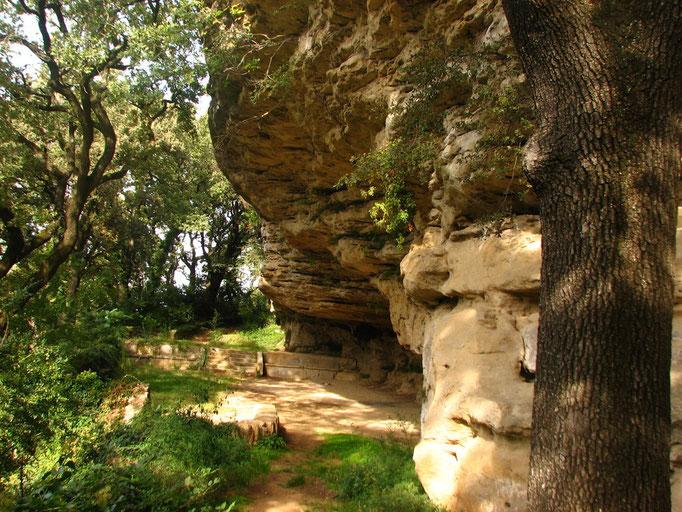 Grotte de Rochecourbiere ( Grignian )
