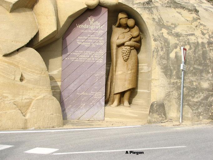 A Peigon ( scultulture a meme la colline )