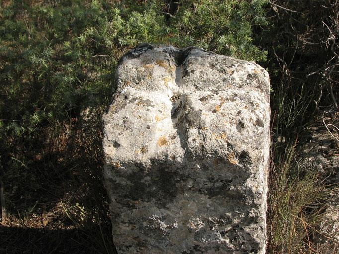 Borne duMoyen age délimitant des terres feodales ?