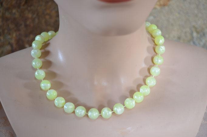 Collier/Perlenkette, gelb marmorierte Plastikperlen. Top Zustand. Preis: 2,90 €