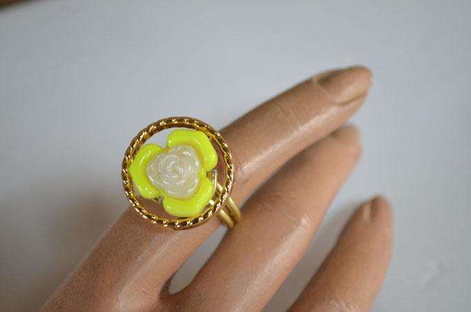 Ring aus Aludraht und einem Musterknopf. Design by Zeitzeugen-Manufactur. Unikat, Handarbeit, 5,00 €