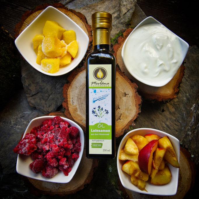 Fruchtjoghurt, Fruchteis mit Leinöl