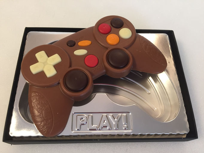 Manette de jeu video en chocolat au lait