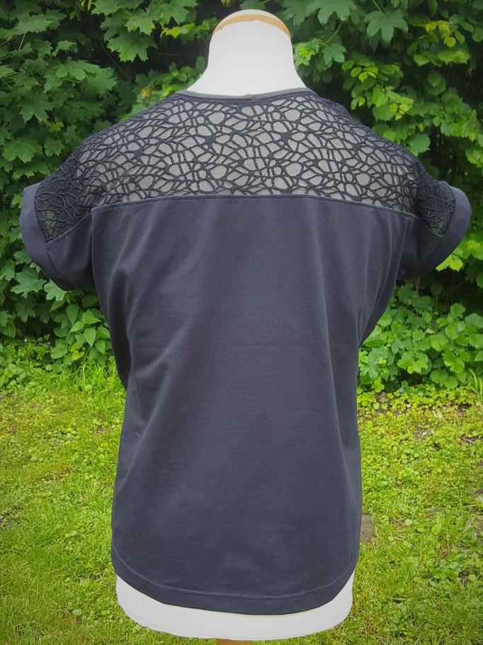 Rückenansicht mit Spitzen