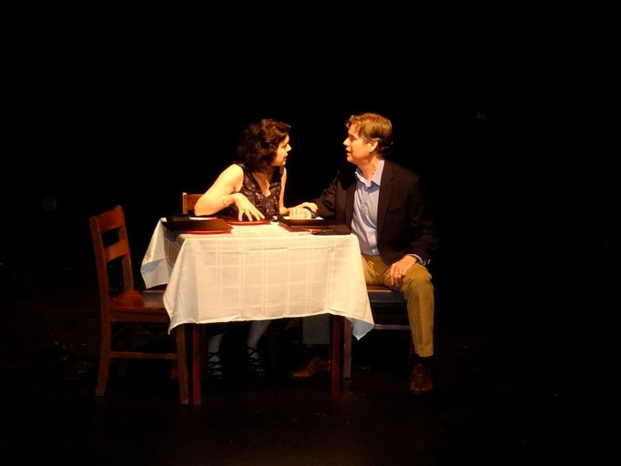 Roxann Kraemer (Cissy Sampson) and Tony Neil (Phil Sampson)