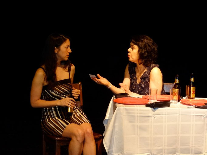 Jessica Vera (Marcia) and Roxann Kraemer (Cissy Sampson)
