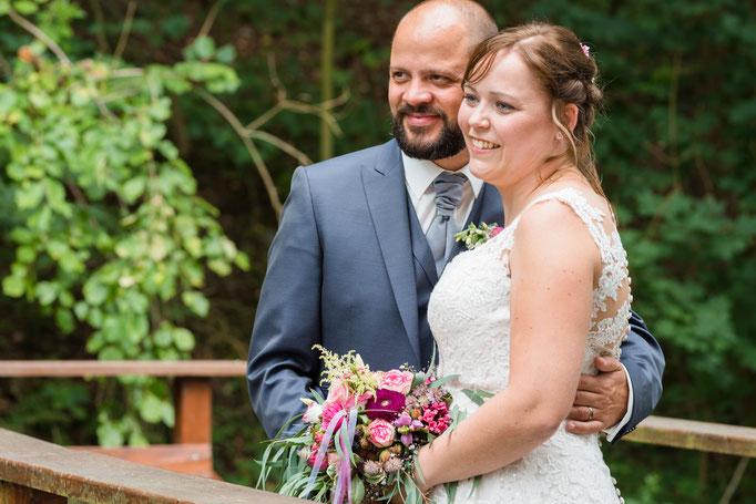 Natürliche Brautpaarfotos in Usingen