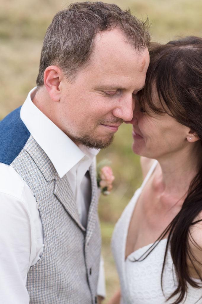 Du und ich - natürliche, emotionale Brautpaarfotos in Neu-Anspach