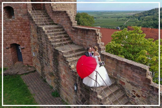 Drohnenaufnahmen-Luftbilder-Sandra&Jan-Burg-Hochzeitsfotograf-Juergen-Sedlmayr59