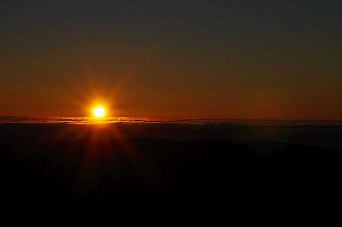 Sonnenaufgang am Silvestermorgen 2016  (Foto von Volker Emde)