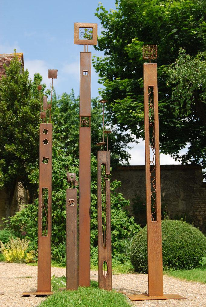 Futaie :ensemble de 5 sculptures de 140 à 250 cm (collection privée)