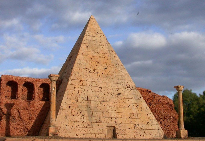 Cestius-Pyramide Korkmodell 1:200